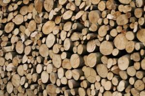 Holzscheite als Holzstapel