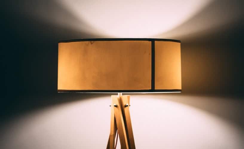 lange habe ich beleuchtung im allgemeinen und lampen im speziellen ein wenig vernachlassigt mir war schon klar wofur man sie verwendet und dass man sie