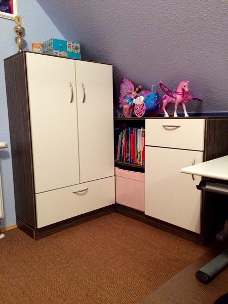 kundenbilder von schr nken mit schr gen nach ma. Black Bedroom Furniture Sets. Home Design Ideas
