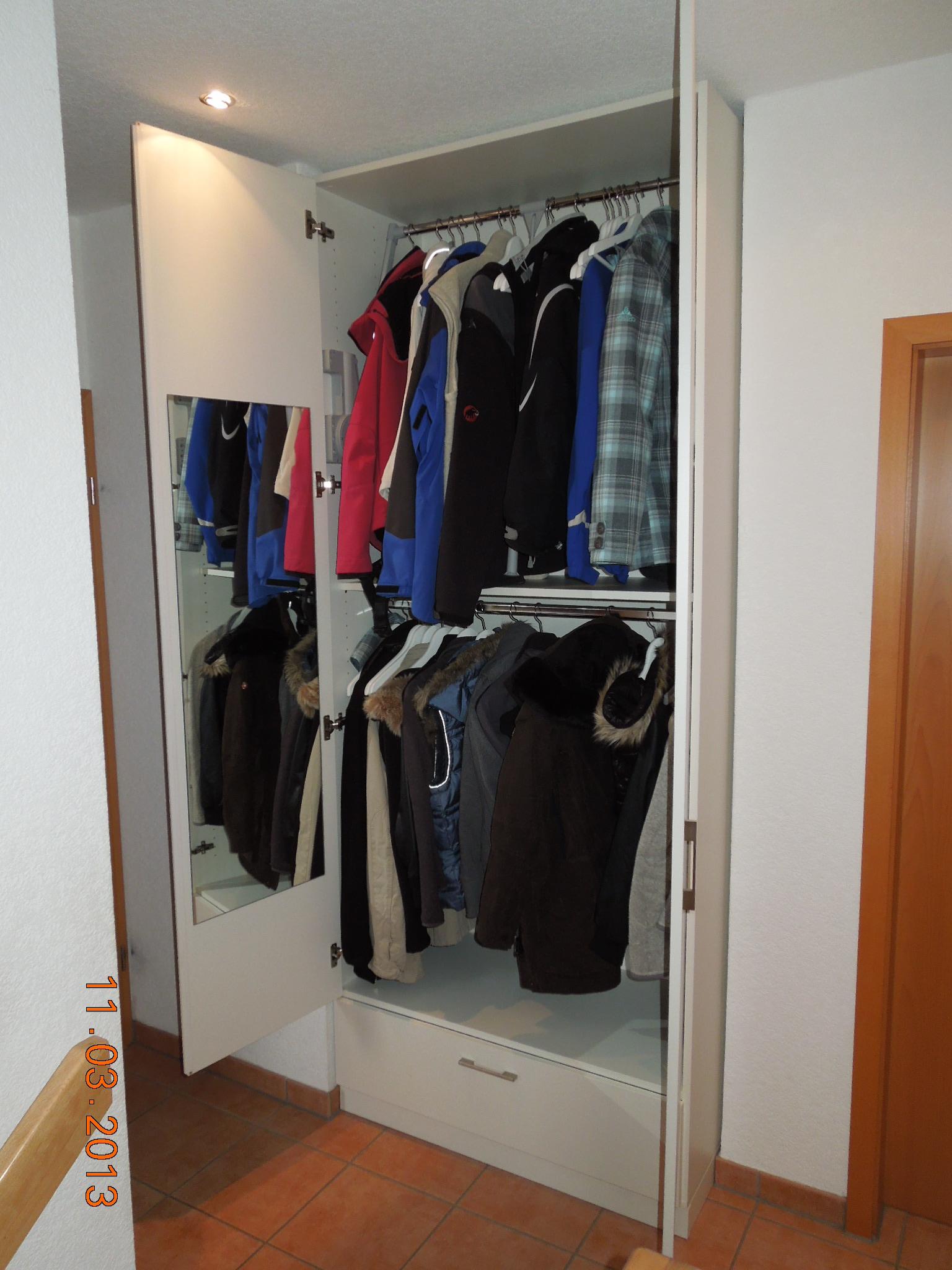Kundenbilder von nischenschr nken zur inspiration for Garderobe viele jacken