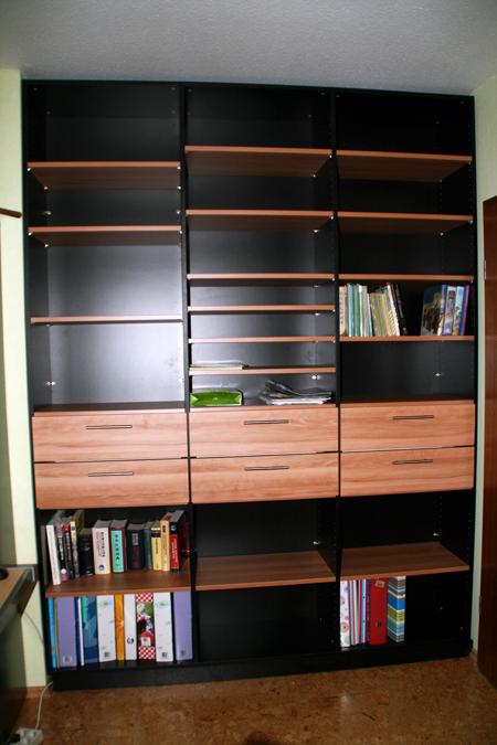 kundenbilder von b cherregalen nach ma jetzt ansehen. Black Bedroom Furniture Sets. Home Design Ideas