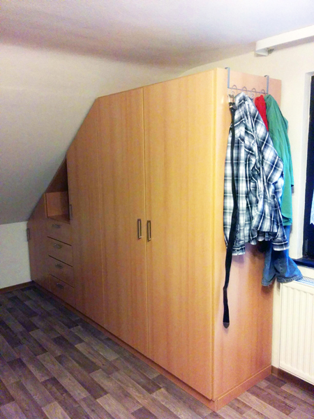 schrank f r schr ge schrank f r schr ge budelli manufaktur carl schr nke mit schr ge verta m. Black Bedroom Furniture Sets. Home Design Ideas