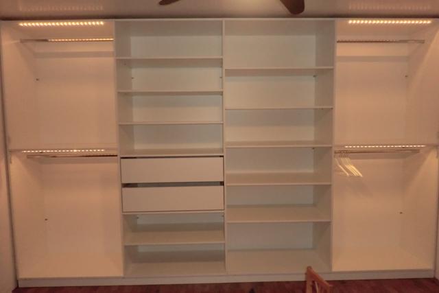 schrank mit vielen einlegebden einlegebden fr musicjalsha in bezug mit vielen fchern in bezug. Black Bedroom Furniture Sets. Home Design Ideas
